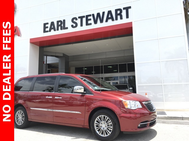 Pre Owned 2014 Chrysler Town U0026 Country Touring L