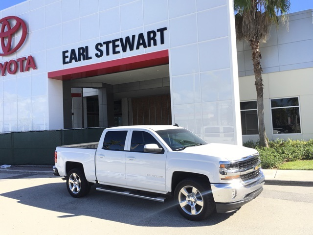 Pre Owned 2017 Chevrolet Silverado 1500 Lt 4d Crew Cab In Palm Beach